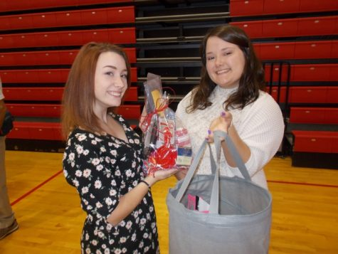 Two Pony Express staff members recognized by Youth Journalism International