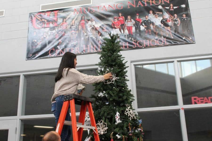 Slideshow: School Wide Christmas Tree Decorating (11-29-17)