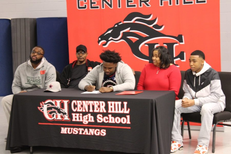 Defensive lineman Justin Jackson signed Feb. 7 to play for Northwest Mississippi Community College.