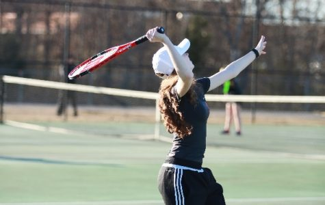 Three from tennis team advance to state