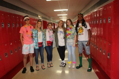 Slideshow: Neon Glow Spirit Day 8/23/18