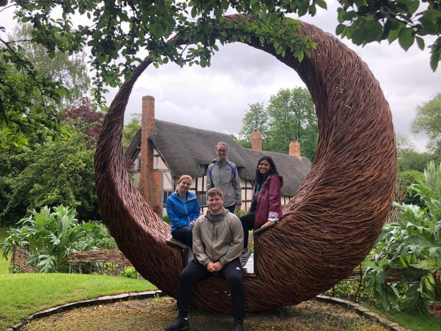 While+in+England%2C+members+of+the+Explorer%27s+Club+visited+William+Shakespeare%27s+birthplace.+Pictured+are%2C+from+left%2C+Ashley+Jenkins%2C+David+DuVall%2C+Megan+Patterson+and+Tanika+Kounhavong.