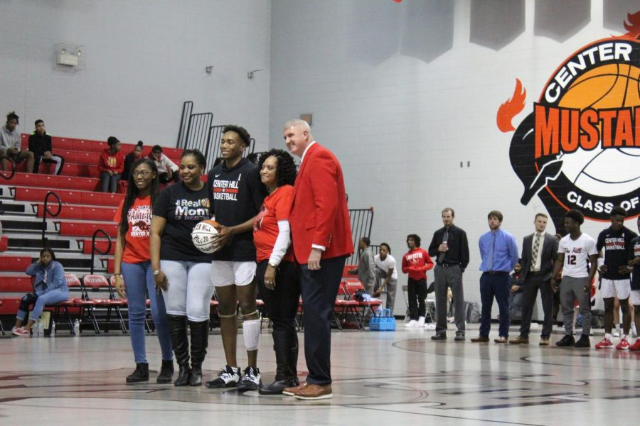 Decorian Payton honored for 1,000th point